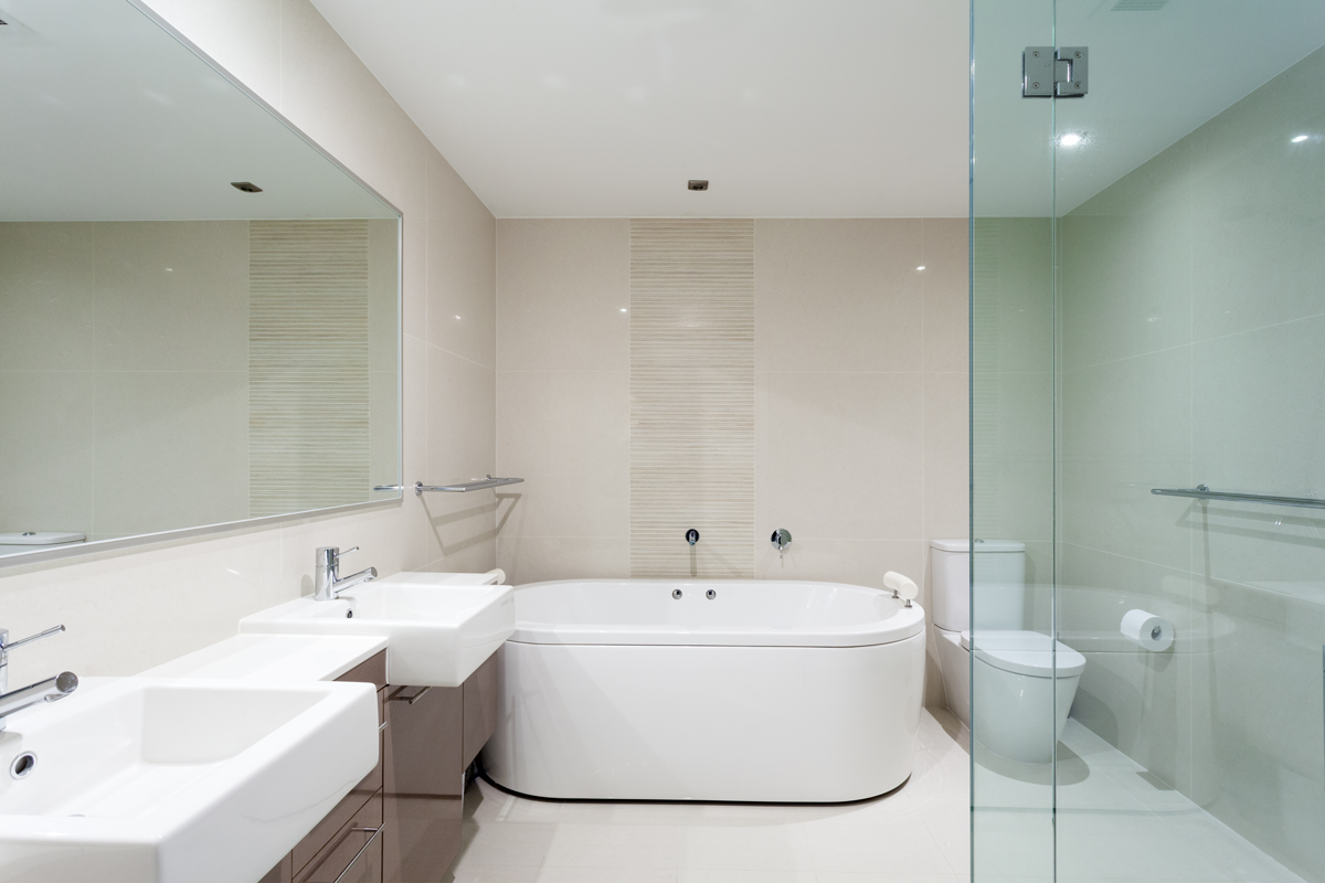 frameless-glass-hardware-bathroom-1