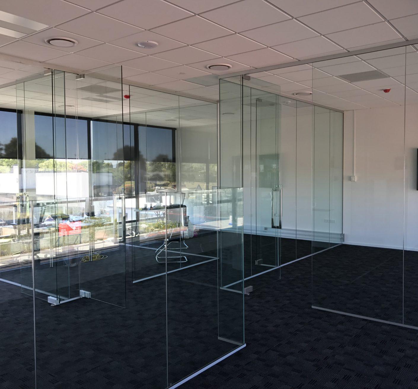 NZ Frameless Glass, South Island, Metro Glass, Christchurch Glass, Prestige Glass, Canterbury Glass, Shower Glass, Showers, Balustrades, Frameless Glass, Stake Glass, Commercial Glass, Christchurch Glass