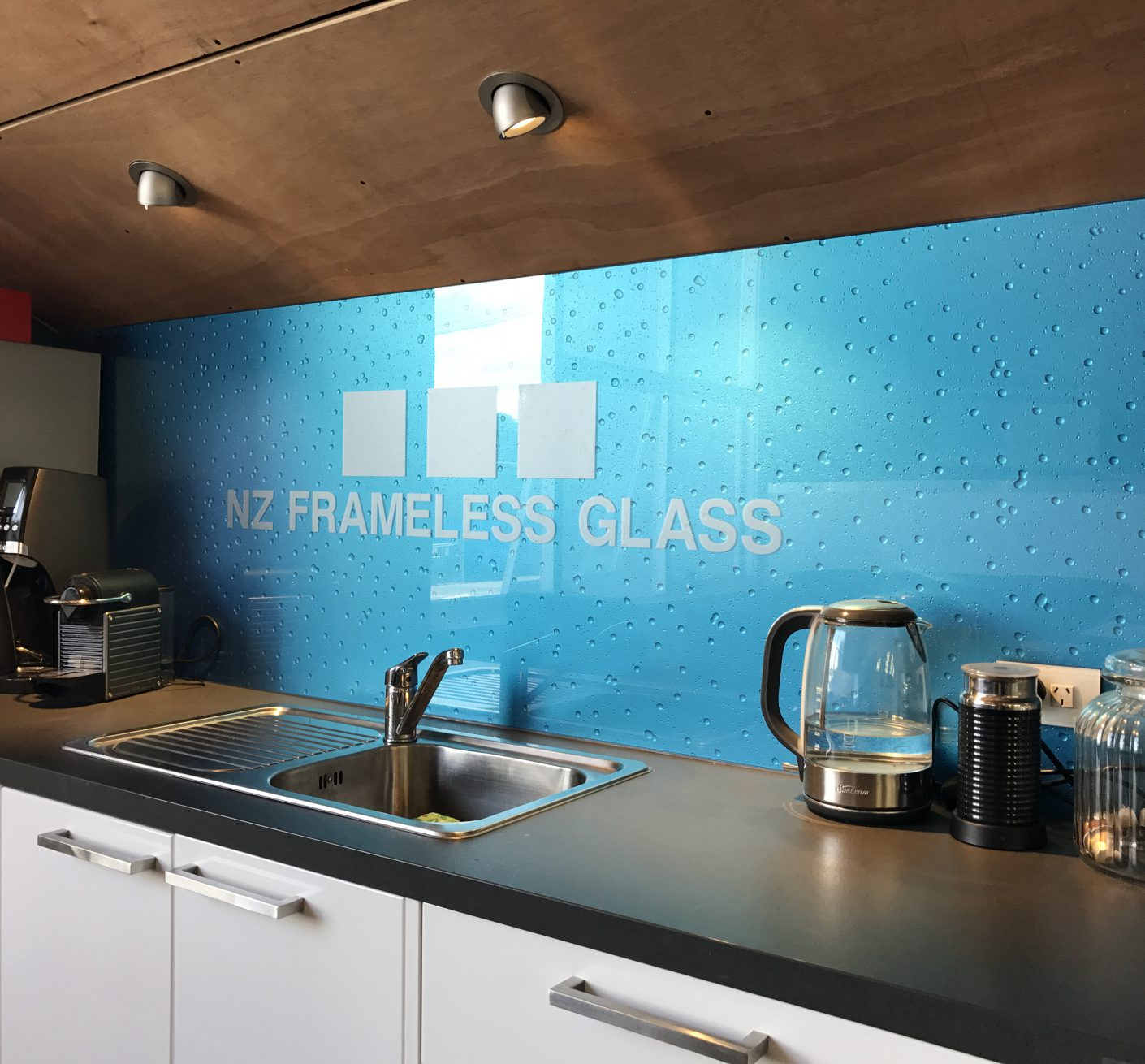 Safety Glass Splashbacks, NZ Frameless Glass South Island, NZ Frameless Glass, South Island, Metro Glass, Christchurch Glass, Prestige Glass, Canterbury Glass, Shower Glass, Showers, Balustrades, Frameless Glass, Stake Glass, Commercial Glass, Christchurch Glass