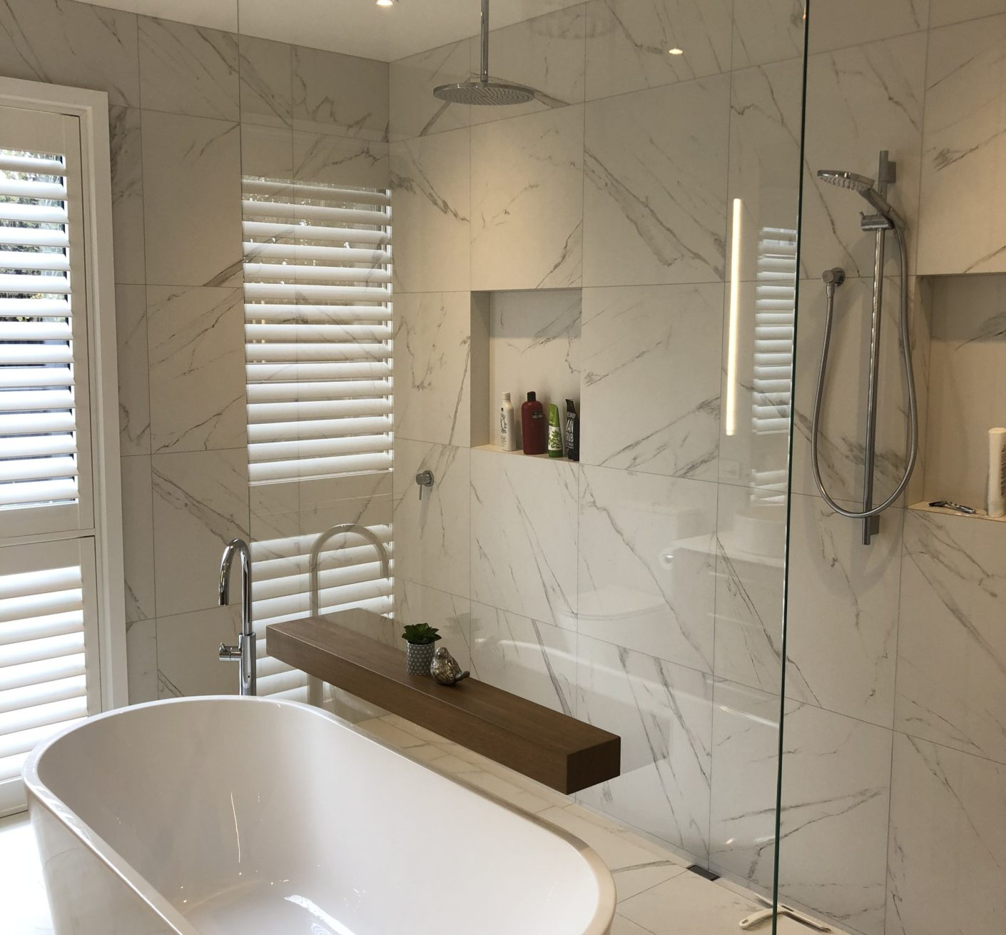 Christchurch Glass, Glass Showers, Frameless Glass, Metro Glass, Stake Glass,