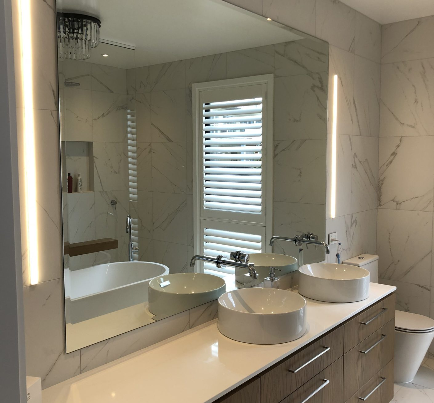 NZ Frameless Glass, South Island, Metro Glass, Christchurch Glass, Prestige Glass, Canterbury Glass, Shower Glass, Showers, Balustrades, Frameless Glass, Stake Glass, Commercial Glass, Christchurch Glass